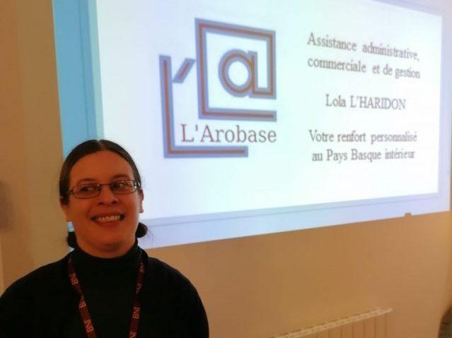 lola-lharidon-larobase-assistante-administrative